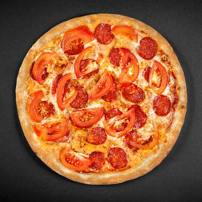 Піца Пепероні з томатами
